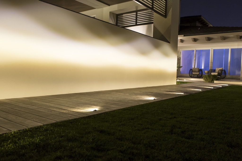 Custom Lighting Designs | Exterior Design